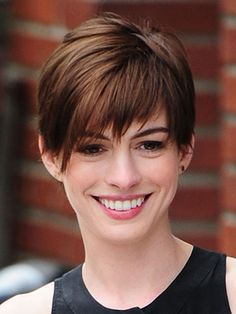 But it does take a very long time for your cold short hair to grow longer. What can they do to change the look? There is a nice suggestion for you. change your boyish short haircut in to a feminine pixie haircut. Oval Face Hairstyles, Pixie Hairstyles, Celebrity Hairstyles, Hairstyles Haircuts, Female Hairstyles, Medium Hairstyle, Elegant Hairstyles, Straight Hairstyles, Growing Out Short Hair Styles