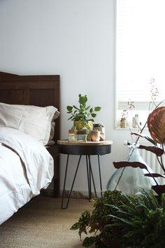 de Zaktus | Inspiration | bedroom Jungle Bedroom, Nightstand, Table, Furniture, Home Decor, Decoration Home, Room Decor, Night Stand, Tables