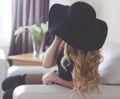 floppy hat!!!
