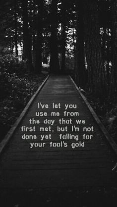Fools gold lyrics - One Direction