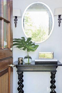 Michaela Noelle Designs: Home Tour: Contemporary New York Cottage