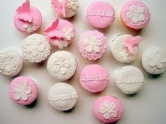 Google Image Result for http://www.fashionata.be/ckfinder/userfiles/images/Lifestyle/Cupcakes%2520Fashionata.jpg