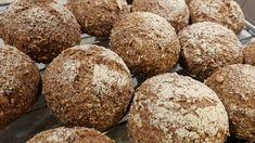 Våre beste grove lavkarborundstykker! Hemp Protein Powder, Bread Rolls, Almond Flour, Baked Goods, Food Processor Recipes, Keto Recipes, Low Carb, Baking, Detox