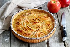 Recipe - Apple Pie Step by Step Apple Pie Recipes, Gourmet Recipes, Sweet Recipes, Baking Recipes, Classic French Desserts, Icebox Pie, Portuguese Recipes, Sweet Tarts, International Recipes