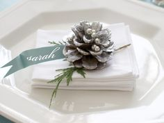 Beautiful White Christmas Wedding Theme 32 Silver And White Winter Wedding Ideas Weddingomania Christmas Place Cards, Christmas Table Settings, Christmas Tablescapes, Christmas Table Decorations, Wedding Table Settings, Noel Christmas, Winter Christmas, Place Settings, Christmas Wedding