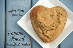 Banana Almond Breakfast Bakes Recipe - Looking for a portable quick and easy breakfast that's healthy whilst still tastes amazing? These Banana Almond Breakfast Bakes are like eating cake for breakfast - only 1000x healthier. Gluten free, vegan, low fat, clean eating friendly, eggless, freezer friendly.