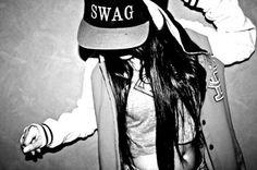 love<3  haha swagg, gotta love flat billed hats!