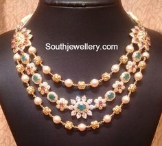 Three Step Floral Necklace