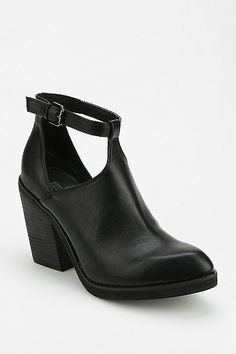 Deena & Ozzy Cutout T-Strap Ankle Boot
