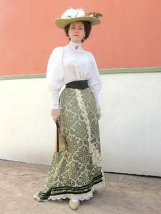 Lovely, well-done Edwardian costume