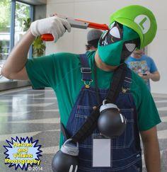 Luigi Deadpool with Nintendo Gun and Bob-ombs at Big Wow Comic Fest, in San Jose