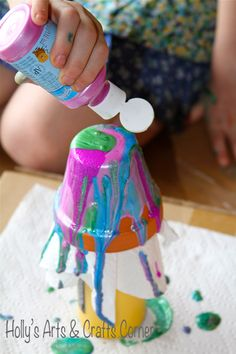 Pour Paint Flower Pots - Holly's Arts and Crafts Corner: Project Level: Easy