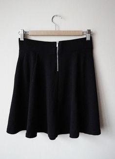czarna spódniczka koktajlowa
