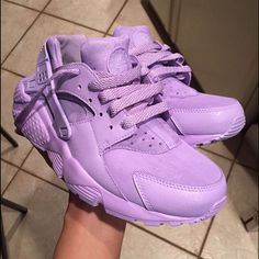 Custom huaraches Lilac hand painted customs. If interested just comment below. I can paint any color. Size is 5.5youth. Should fit a womens 7/7.5 Nike Shoes