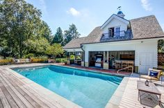 Tour a Maryland Manse on the Market