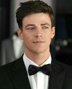 Discovered by F e r n a n d a 🌹. Find images and videos about the flash, grant gustin and barry allen on We Heart It - the app to get lost in what you love. Flash Barry Allen, Concessão Gustin, Series Dc, The Flash Grant Gustin, Grant Gustin Glee, Snowbarry, Fastest Man, Supergirl And Flash, Dc Memes