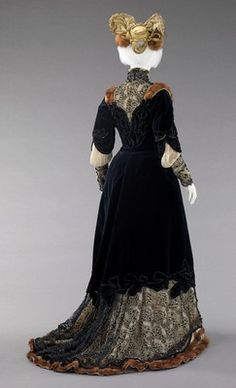 ~Raudnitz and Co. - Huet and Chéruit (French)  DesignerMadame Virot  Ensemble, Afternoon (Back)  1898–1900~