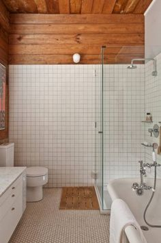 Home Remodel Interior 1917 Bungalow by Mir Rivera Architects.Home Remodel Interior 1917 Bungalow by Mir Rivera Architects Bad Inspiration, Bathroom Inspiration, Interior Design Inspiration, Bathroom Ideas, Bathroom Inspo, Boho Bathroom, Bathroom Towels, Bath Ideas, Bathroom Organization