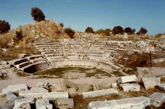 Private 4 Day Tour of Troy, Pergamum, Ephesus, Pamukkale and Aphrodisias From Istanbul This tour will give you an opportunity to drive all along the western shore of Turkey with your private guide and vehicle.  Day 1: The first day features the visit of Troy, and you will spend the night at the Çanakkale city, which is located along the Dardanelles. Your tour will start with an early morning departure from the hotel at 06:00 am. You will drive along the Europea...