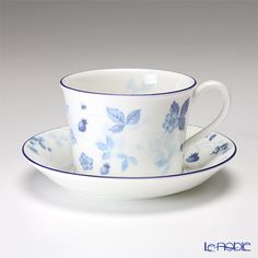 Wedgwood Strawberry Blue tea cup and saucer (Delphi)