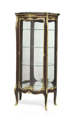 A FRENCH ORMOLU-MOUNTED KINGWOOD VITRINE BY FRANCOIS LINKE, PARIS, LATE 19TH/EARLY 20TH CENTURY