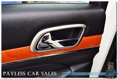 2012 Jeep Grand Cherokee Overland / 5.7L HEMI / AWD / Leather / Sunroof / Navigation / Rear DVD / AutoStart / Alpine Speakers / Tow Pkg ANCHORAGE, Alaska | PAYLESS CAR SALES