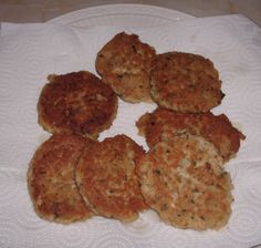 Tuna or salmon patties are a quick and healthy way to feed yourself and your family when you're short on time.