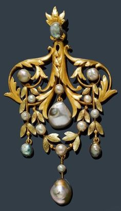 AN ART NOUVEAU PEARL AND GOLD PENDANT, CIRCA 1900. Of garland design with acanthus leaf and volute, set with 16 greyish baroque pearls, probably natural, mounted in yellow gold. #ArtNouveau #brooch