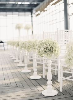 gysophila wedding aisle