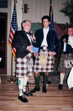 """Simon Fraser, Lord Lovat at Charleston HG, 2010 On May 1, 1984, by decree of the Court of the Lord Lyon, the 21st Lady Saltoun was made """"Chief of the name and arms of the whole Clan Fraser"""". The Lord Lyon did not grant the Chiefship of the Clan Fraser, simply a description of """"Chief of the name and arms."""" The Lord Lyon does not have power over the Chiefship of a Highland Clan. Since this decree, there has been much confusion as to the Chiefship of the Clan Fraser."""