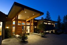 Kamloops Timber Frame Home Timber Frame Homes, Lake Cabins, Post And Beam, Spring Home, Wood Construction, House In The Woods, Joinery, Rustic Wood, Home Projects