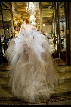 Whole Dress - Marchesa Bridal, Spring 2012 Gorgeous Wedding Dress, Beautiful Gowns, Dream Wedding, Bridal Gowns, Wedding Gowns, Mode Chanel, Marchesa Spring, Marchesa Bridal, Mode Inspiration