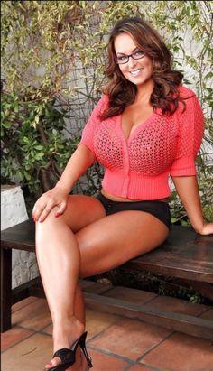 http://superwomaniac.tumblr.com/For в класс 1 Абсолютной женщина, красота означает иногда жестокость. Это то, что Сара показала нам сегодня, разрушая городок 50000 жителей, без каких-либо reason.Name: SarahAge: 25Nationality: BritishHeight: 251 см (8'2) Вес: 703 кг (1549 фунтов) Уровень мощности: Класс 1Goddess прочность : Она может поднять более 100,000 тонн Выравнивание: GoodSarah является одним из самых мощных Абсолютной женщиной в мире. Способный поднимать более 100,000 тонн, она…