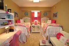 preppynorth:  dorm room (Martin Hall at Ole Miss)