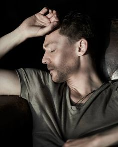 Absolutely love this picture of Tom Hiddleston
