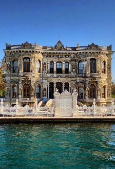 Fashion and Lifestyle Turkish Architecture, Sacred Architecture, Visit Turkey, Budapest, Real Castles, Dream City, Beautiful Places To Travel, Ottoman Empire, Villas