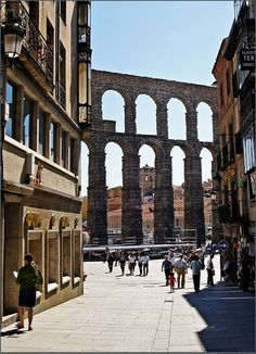 The old roman aquaduct that runs over the centre of Segovia town, Spain // © Ron Sutton Oh The Places You'll Go, Great Places, Places To Travel, Beautiful Places, Places To Visit, Spain And Portugal, Future Travel, Spain Travel, Wonders Of The World