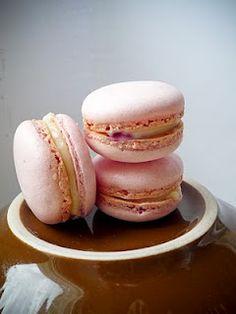Macaron Fetish: Rose Lychee Rasberry Macarons (Inspired by Pierre Herme's Ispahan Macaron)