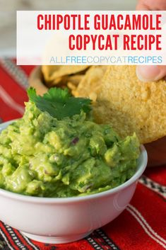 Guacamole is irresistibly delicious, which is why you'll see it on the menu of so many popular restaurants. This homemade guacamole recipe is inspired by the kind served at Chipotle! Chipotle Guacamole Recipe, Salsa Guacamole, Chipotle Recipes, Homemade Guacamole, Avocado Recipes, Mexican Dishes, Mexican Food Recipes, Ethnic Recipes, Mexican Grill