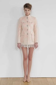 Lace Haute Couture Mao Suit by Huishan Zhang Live Fashion, Fashion Show, Blush Dresses, Runway Fashion, London Fashion, Designer, Ready To Wear, Fashion Photography, Fall Winter
