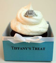 proposal idea - Tiffany box with cupcake and engagement ring Elle Magazine, Tiffany & Co., Tiffany Rings, Tiffany Jewelry, Ways To Propose, Bridal Shower Cupcakes, Wedding Cupcakes, Def Not, Perfect Proposal