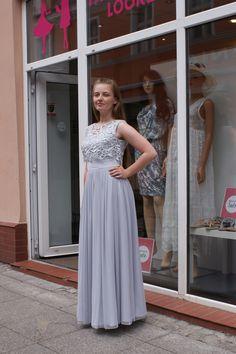 Butik Fashion Look  Przepiękne, długie sukienki na wesele!! Dwie w jednej. Zarazem prosta klasyczna jak i bardziej elegancka z narzutką <3 Występuje w kilku kolorach.  Materiał bardzo przyjemny w dotyku. Miękki, zwiewny.  Bardzo wygodna!! Można w niej spędzić wspaniale cały wieczór tańcząc i bawiąc się. :) Idealnie podkreśla talie.  FASHION LOOK Butik z odzieżą damską. Bydgoszcz ul. Długa 25  www.facebook.com/fashionlookbydgoszcz