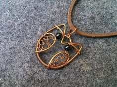 copper cute owl pendant - how to make wire wrap jewelry Welcome to the online classes at home with the theme DIY wire jewelry - handmade copper jewelry - als. Owl Jewelry, Copper Jewelry, Cute Jewelry, Antique Jewelry, Jewelry Drawer, Funky Jewelry, Rustic Jewelry, Jewelry Model, Jewellery