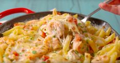 Garlicky Shrimp Alfredo Bake is full of all your favorite flavors. Gf Recipes, Fish Recipes, Seafood Recipes, Pasta Recipes, Great Recipes, Dinner Recipes, Favorite Recipes, Garlicky Shrimp, Baked Shrimp