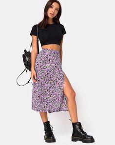 Saika Midi Skirt in Lilac Blossom by Motel Grunge Look, Grunge Style, 90s Grunge, Soft Grunge, Tokyo Street Fashion, Fashion 2020, 90s Fashion, Fashion Outfits, Womens Fashion