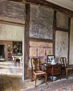 Elizabethan murals in Spenser's Room at Canons Ashby, Northamptonshire -  image 4 of 25