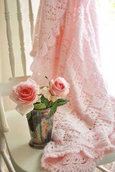 .love the soft pink yarn, would have picked a vase less harsh