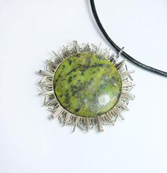 sun mandala pendant with serpentine // green stone // by ArtePora