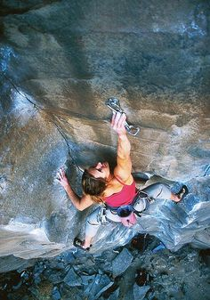 Heidi Wirtz, Pure Palm 5.11a, Lower Gorge, Smith Rock, credits Ben Moon