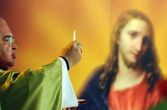 https://flic.kr/p/geVAok | Missa na TV Brasil pelo Dia da Bíblia | Foto: Gustavo de Oliveira  >